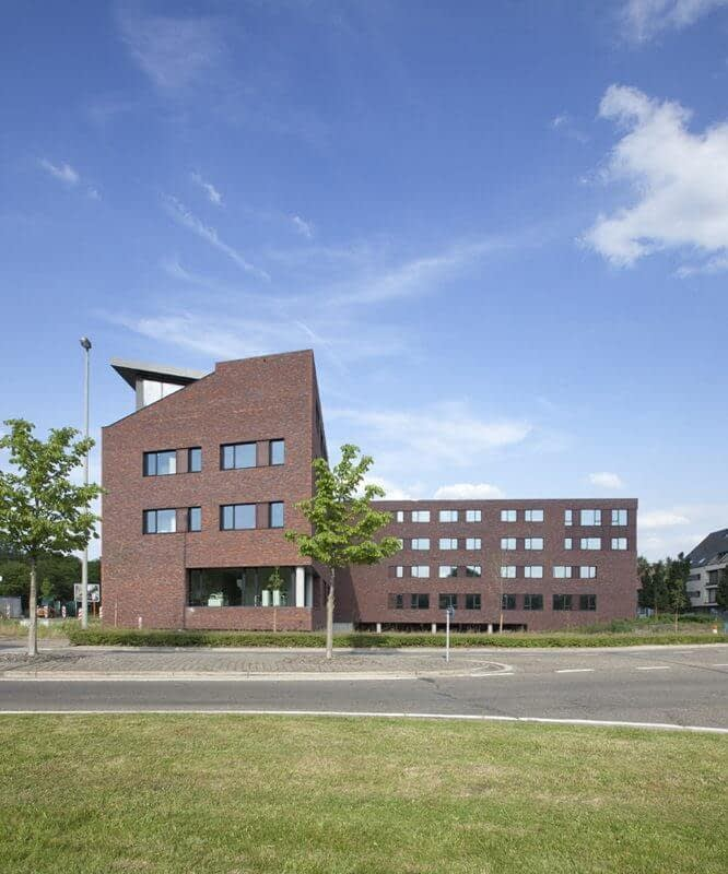 Handshake Genk a-tract architecture